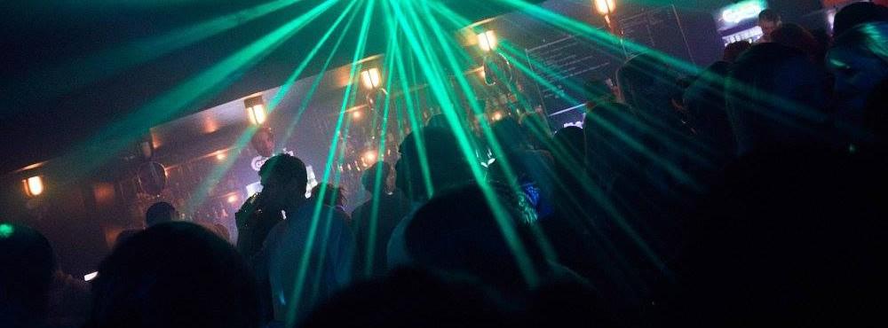 00-03 DJ Una & DJ Syntheticpanda | Fri Entré