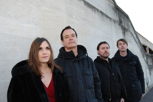 "The Wedding Present plays ""Seamonsters"""
