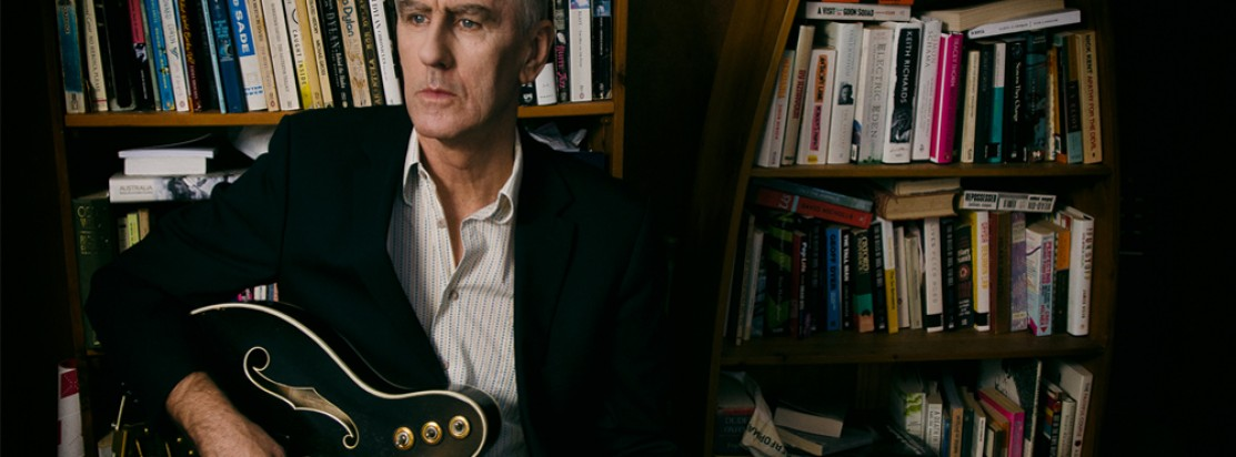Robert Forster (The Go-Betweens) Special guest: Peter Morén | DJs The Jangle Pop Society